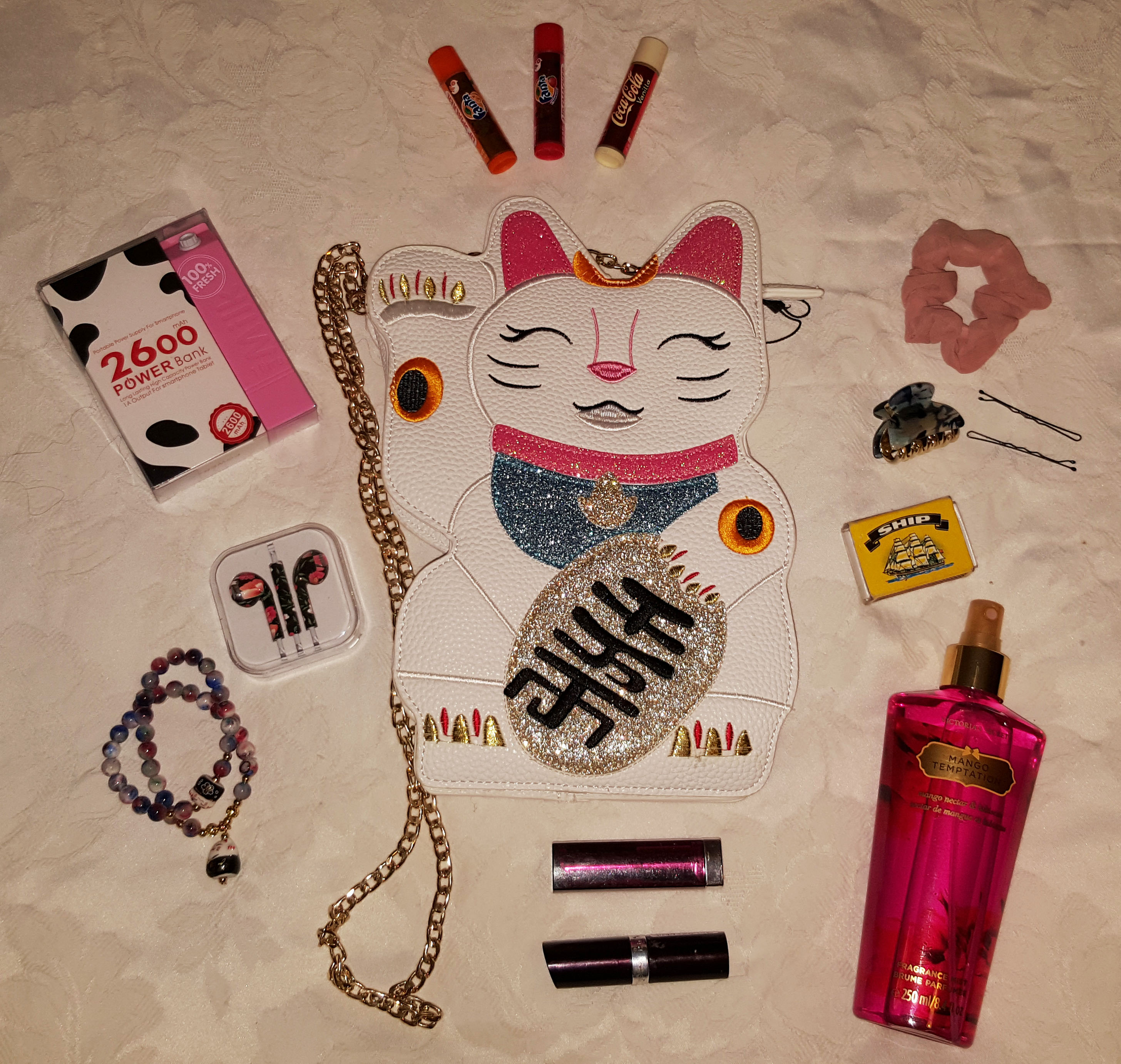kawaii maneki neko whats in my handbag